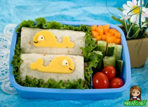 photo of a lunch from adventures in bento making site
